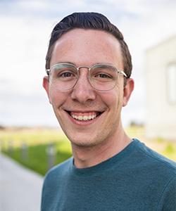 Craig Ennis' research seeks to better understand the resistance properties of fungal biofilms.