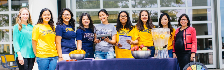 UC Merced students with professor Susana Ramirez.